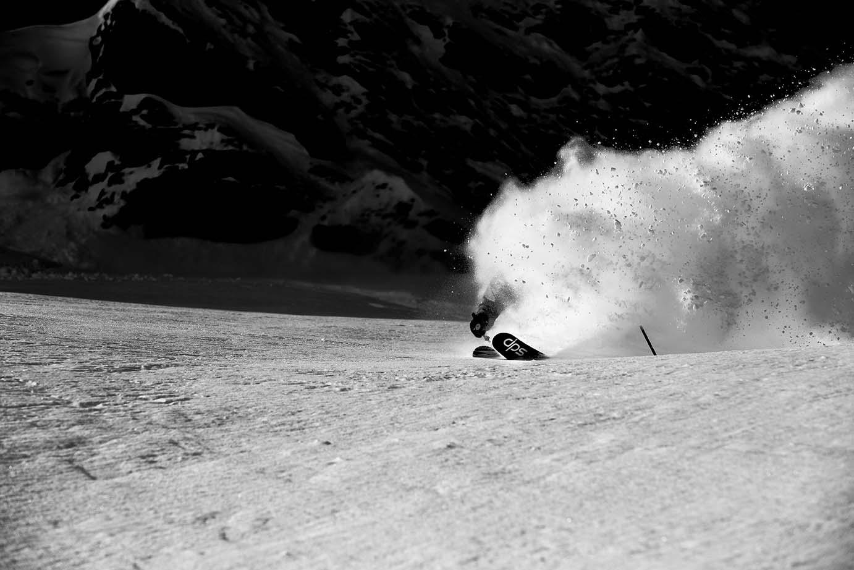 Skifahrer in Powder Dust